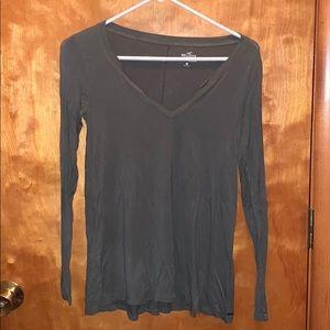 green hollister long sleeve shirt